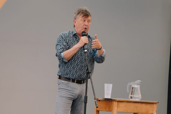 Stuart Maconie – The Long Road from Jarrow